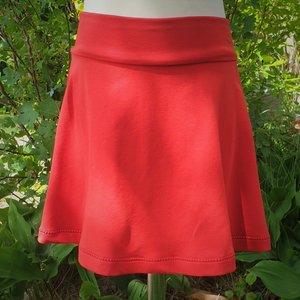 Zwierige rok effen rood maat 4 jaar (98)