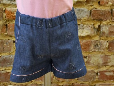 Short met zakken maat 5 jaar (110)