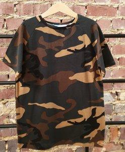 T-shirt camouflage donker maat 12 jaar (152)