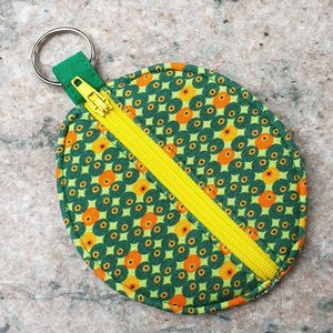 Rond zakje retro met gele rits en sleutelring